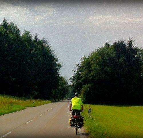 Giovanni in bici verso Chieming