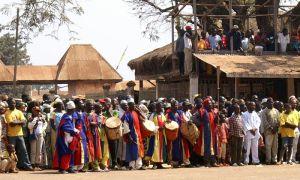 Suonatori di tamburo ai festeggiamenti in onore del roi della Chefferie di Foumban