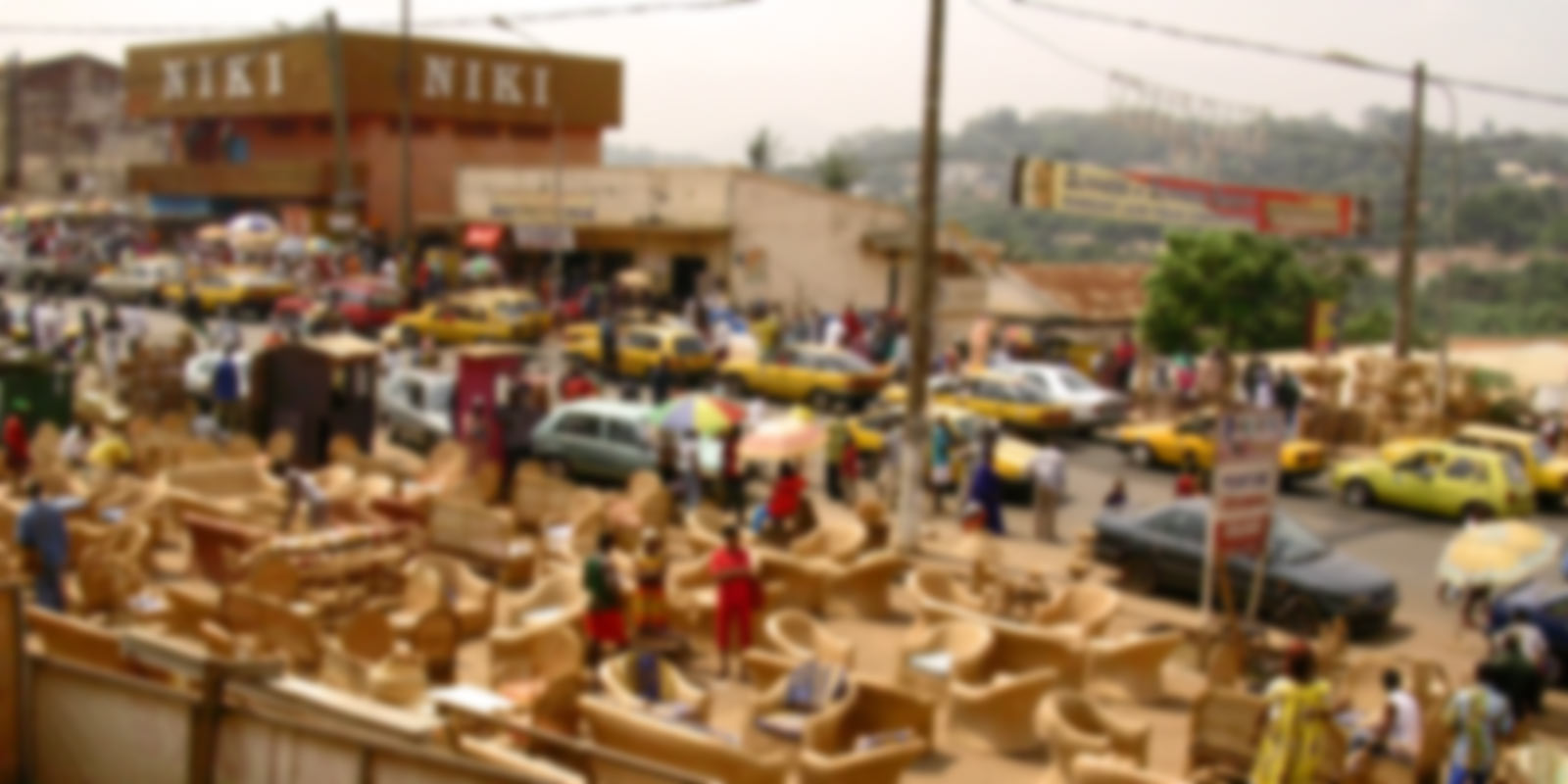"Yaounde. Taxi gialli affollattissimi e ""no foto"""
