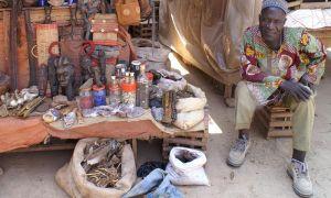 Venditore di maschere a Foumban